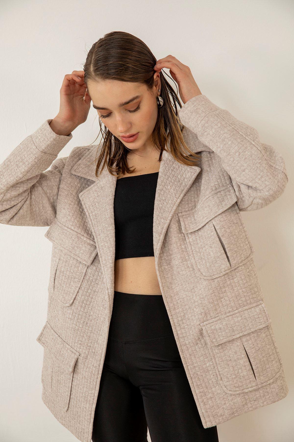Cep Detay Petek Kumaş Ceket-Bej