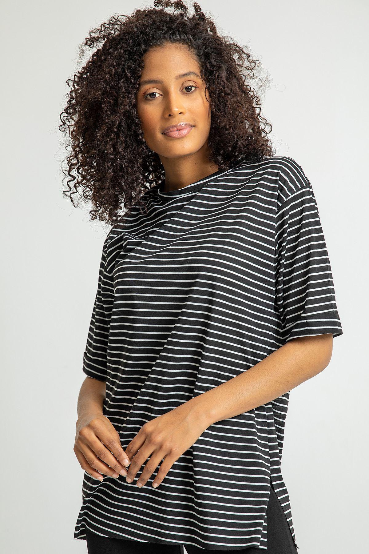 Çizgili Yanı Yırtmaçlı T-shirt-Siyah