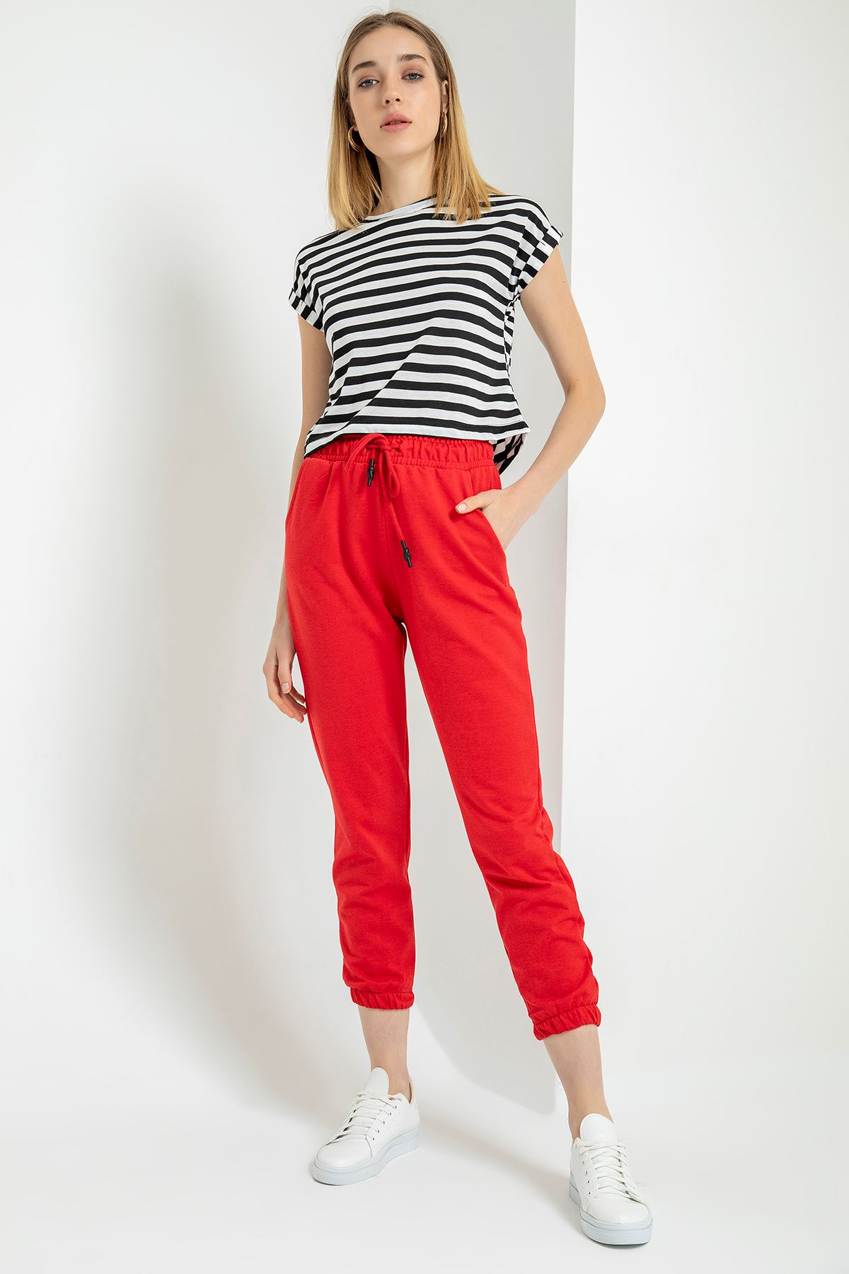 Paçası Lastikli Pantolon-Kırmızı