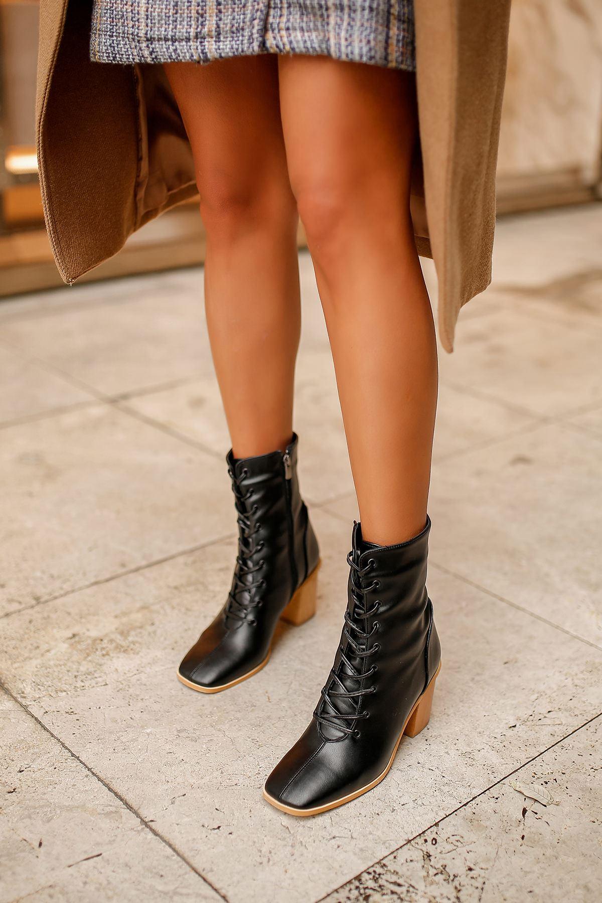 Nicola Ahşap Topuklu Kadın Bot-Siyah