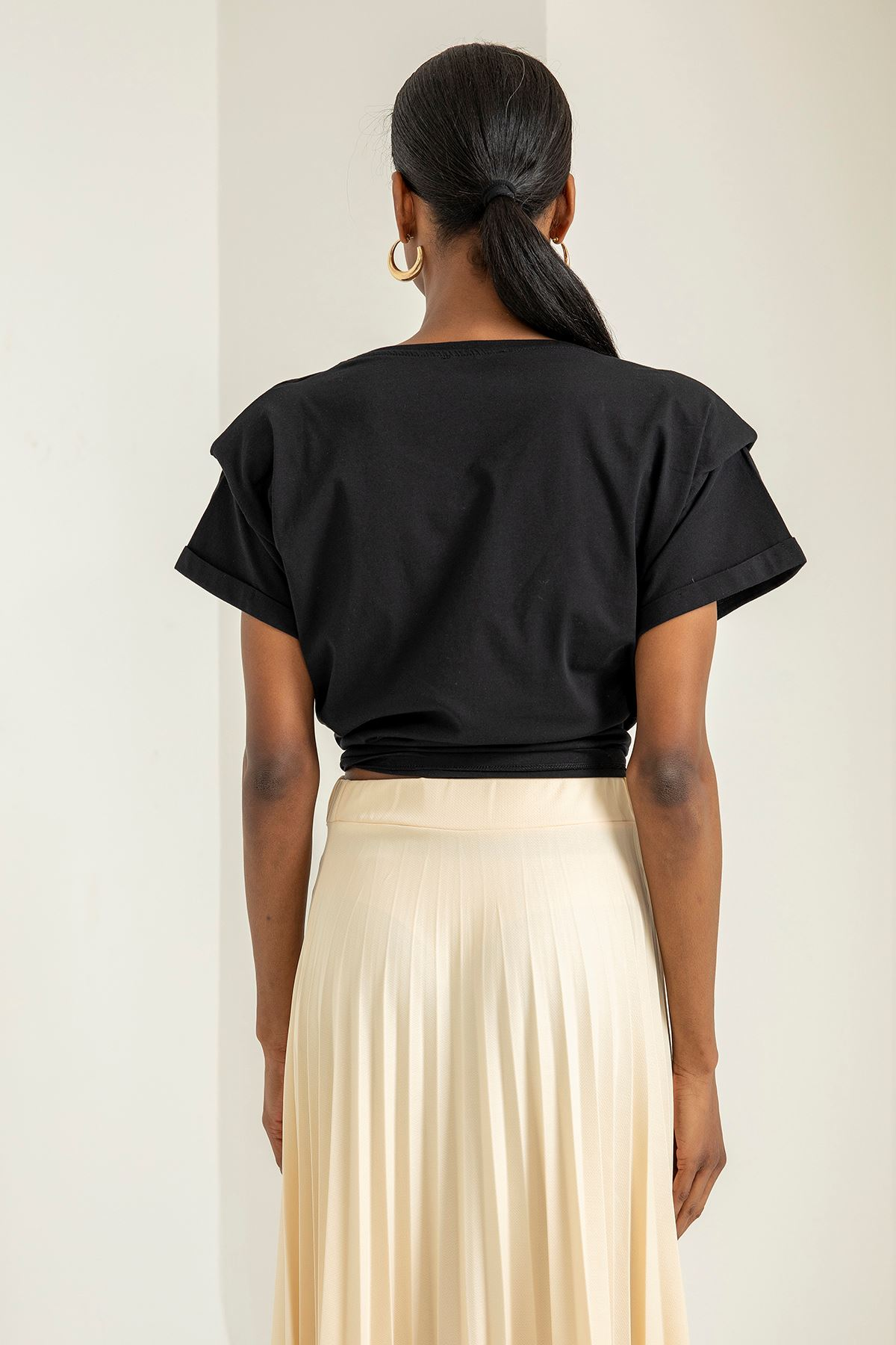 Vatkalı Kısa Kol T-shirt-Siyah