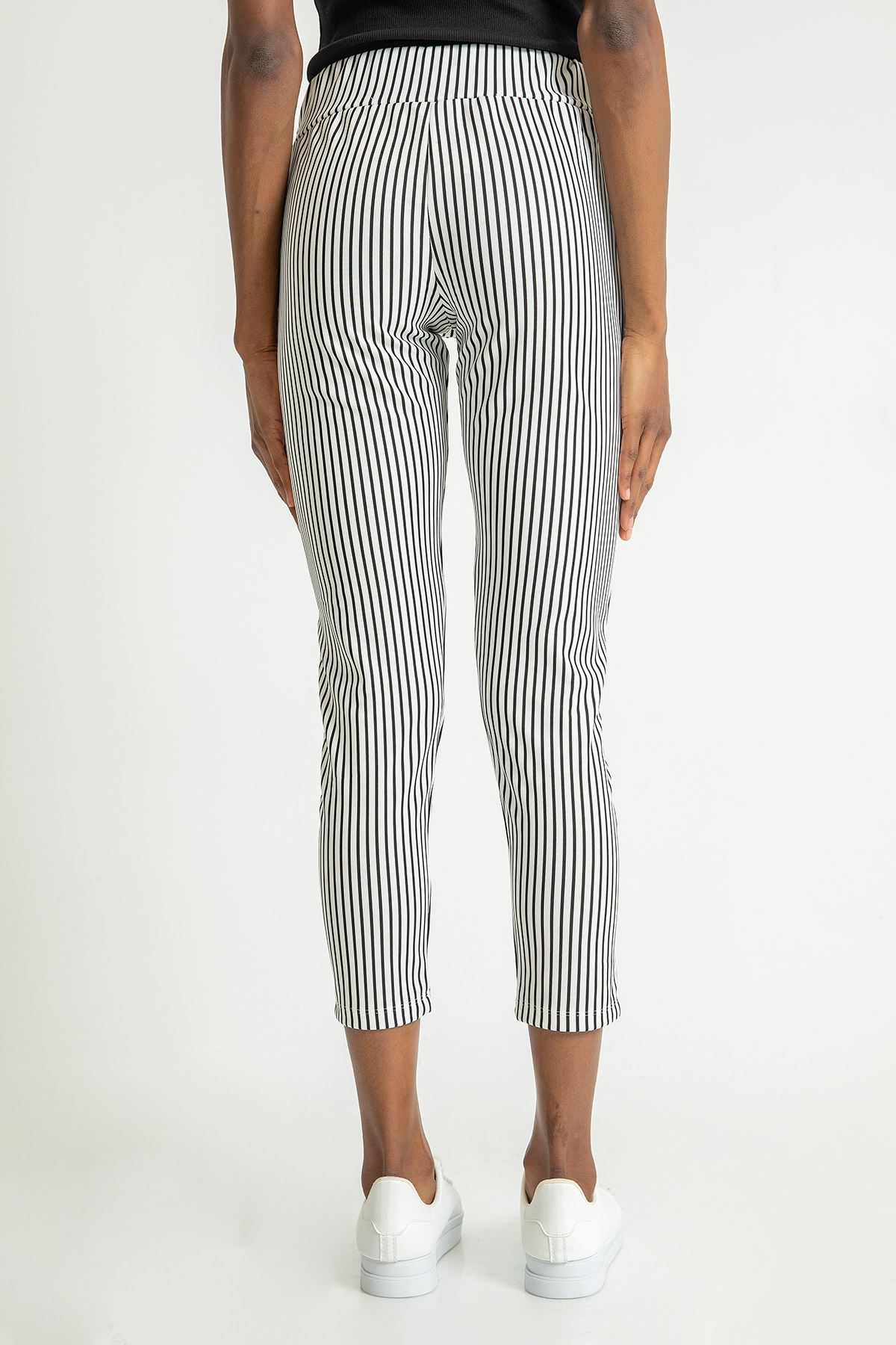 Kuşaklı Çizgili Pantolon-Beyaz
