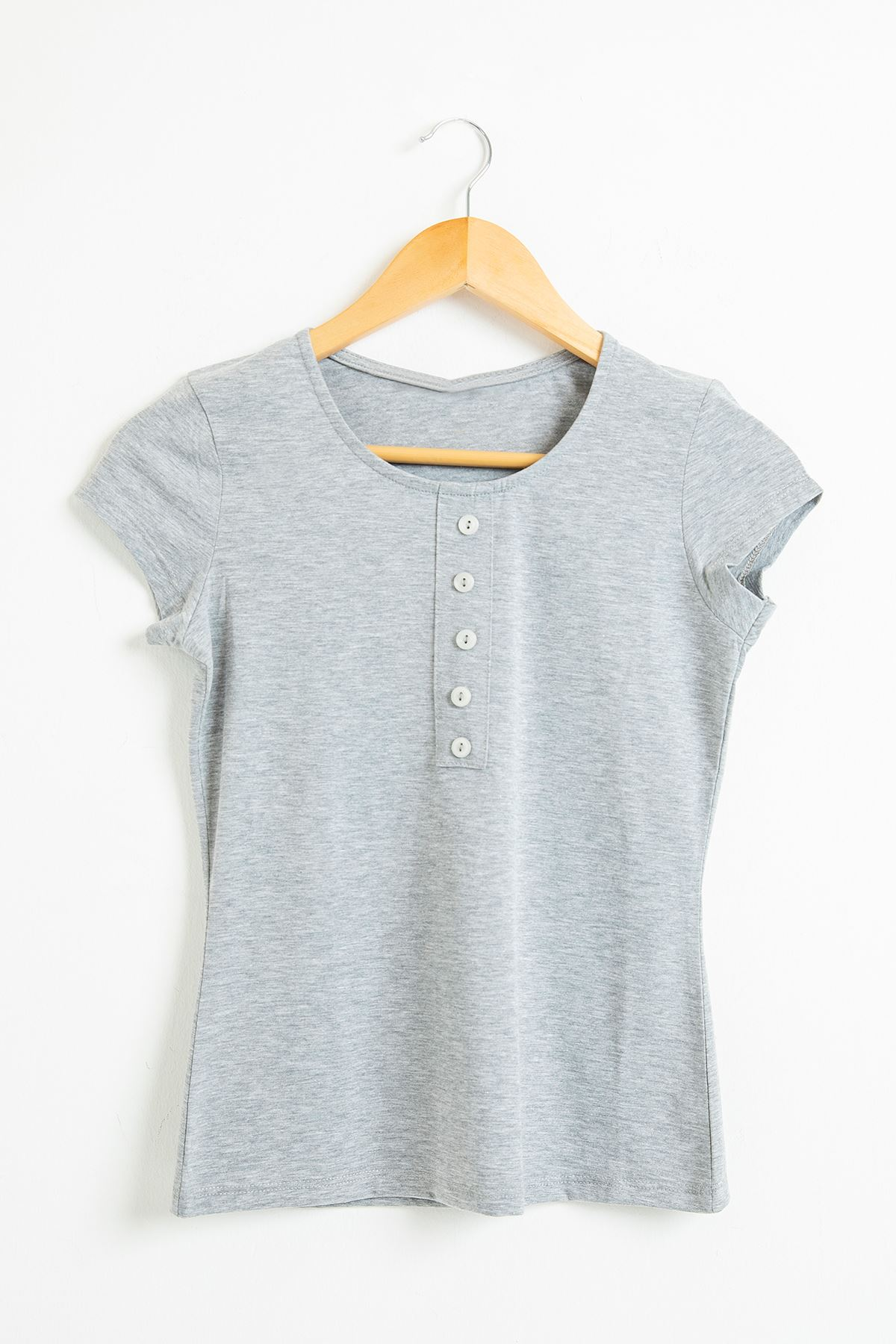 Önü Düğme Detaylı T-shirt-Gri