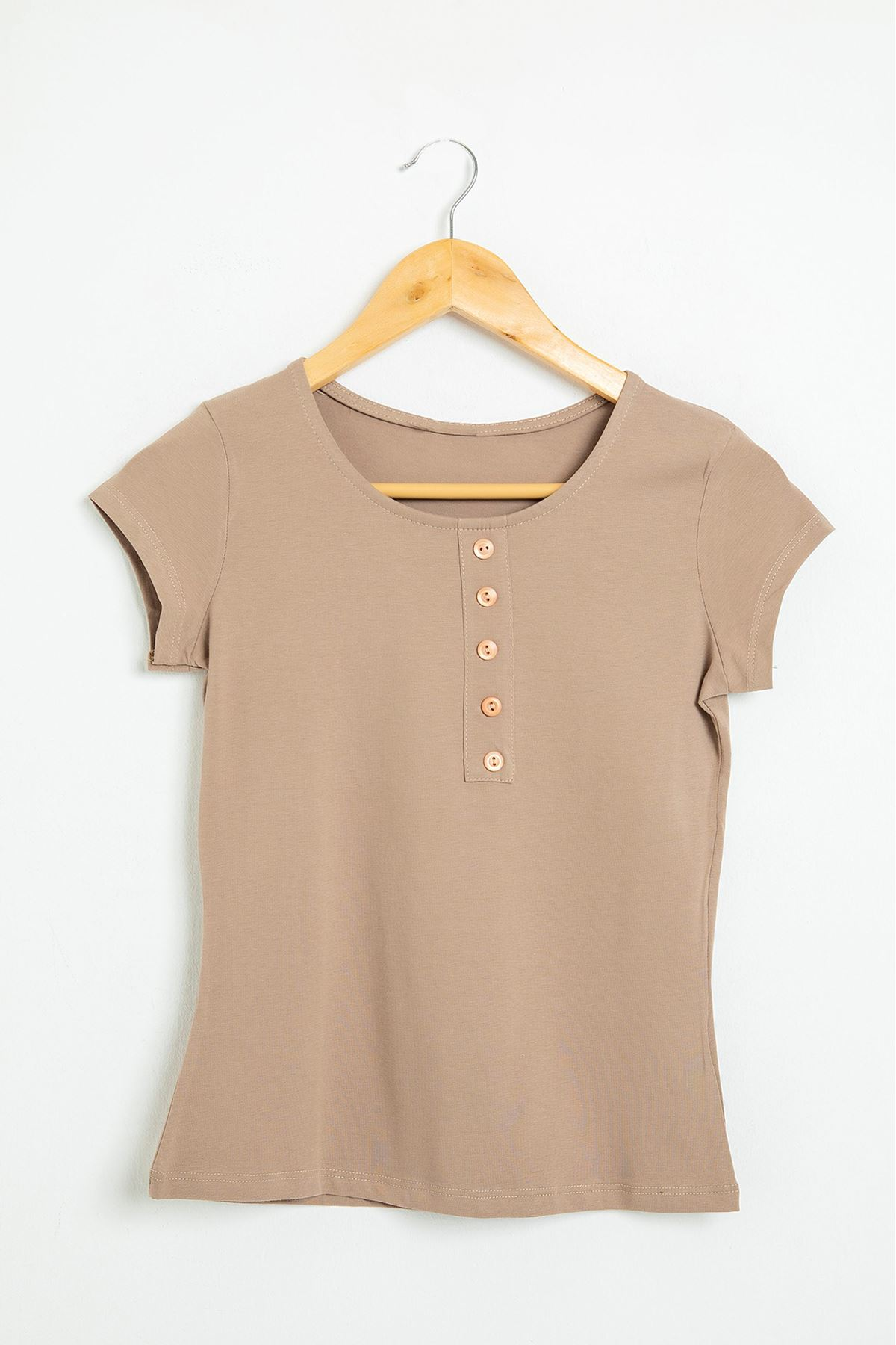 Önü Düğmeli Basic T-Shirt-Vizon