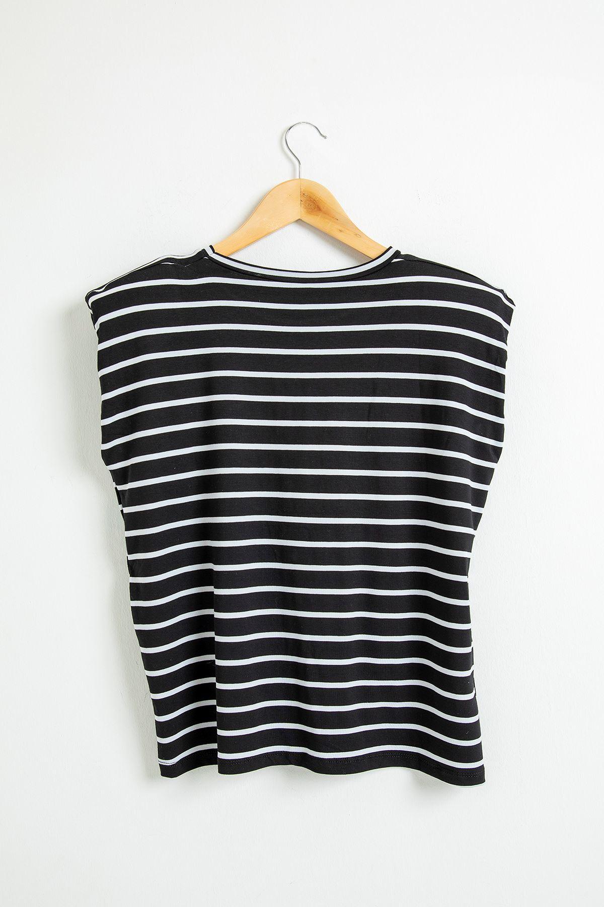Çizgili Vatkalı T-Shirt-Siyah