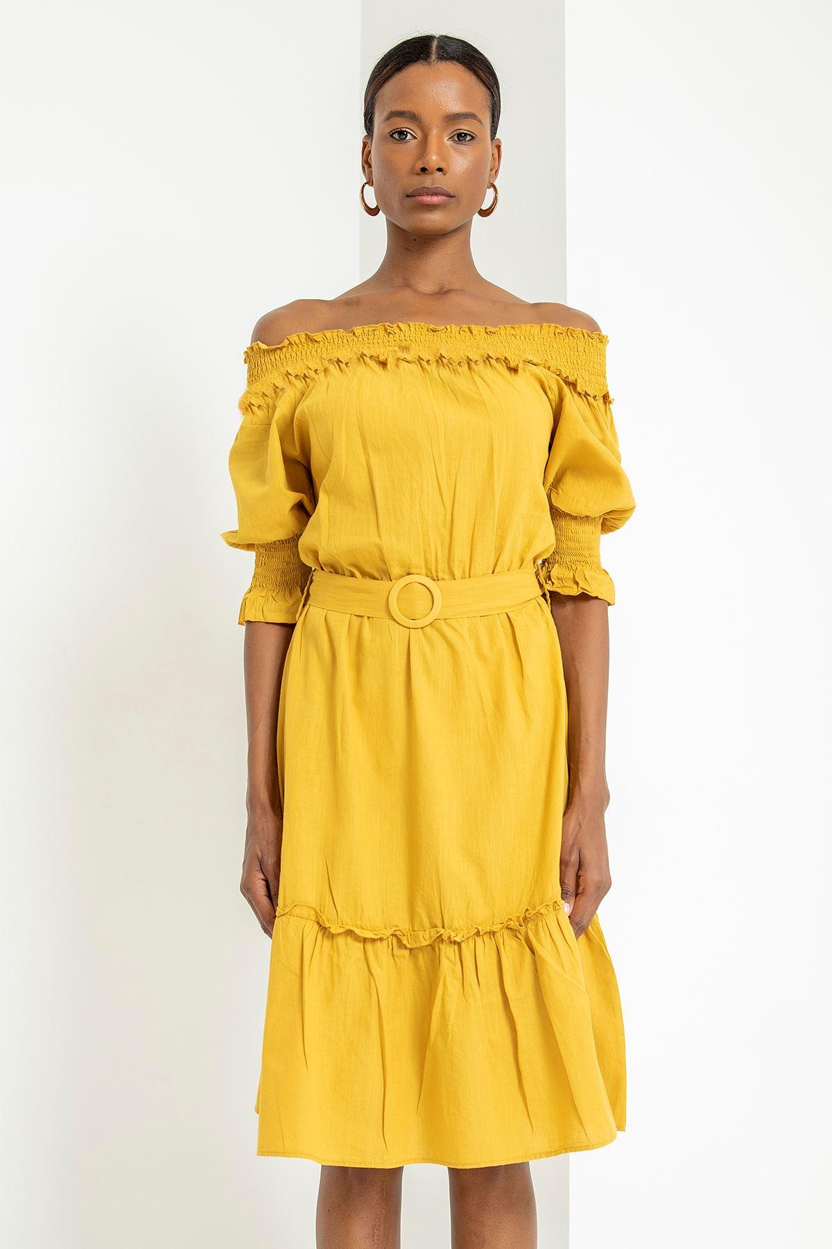 Yakası Gipeli Kemerli Elbise-Hardal