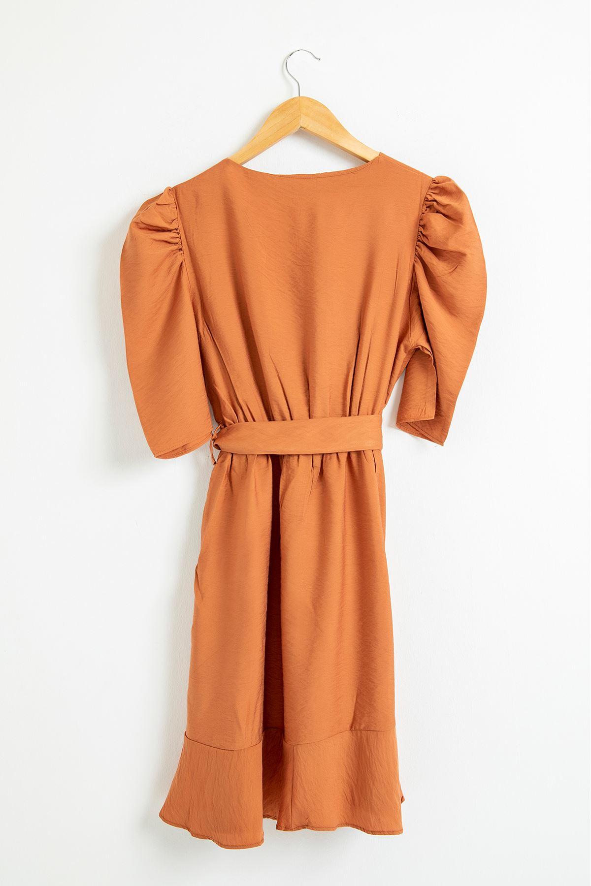 Eteği Fırfırlı Kemerli Elbise-Soğan