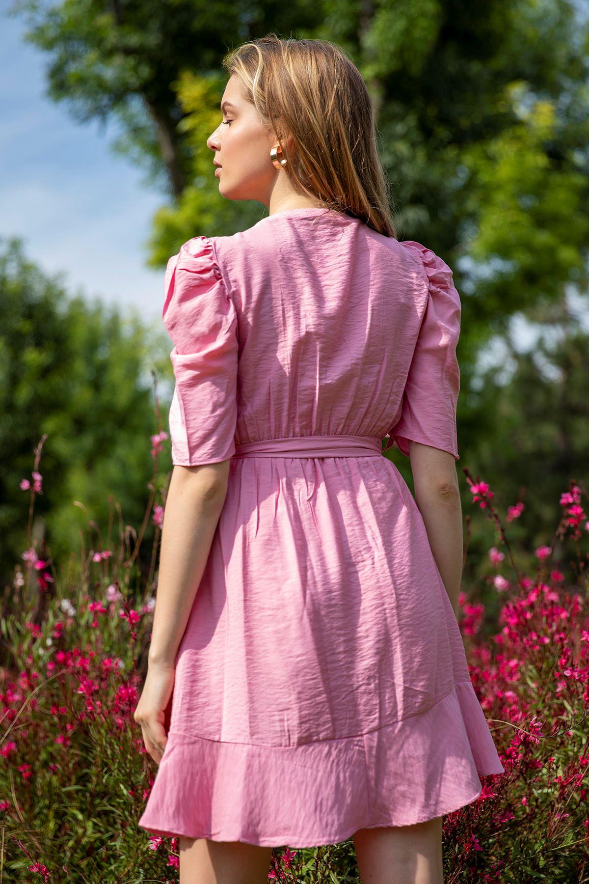 Eteği Fırfırlı Kemerli Elbise-Pudra