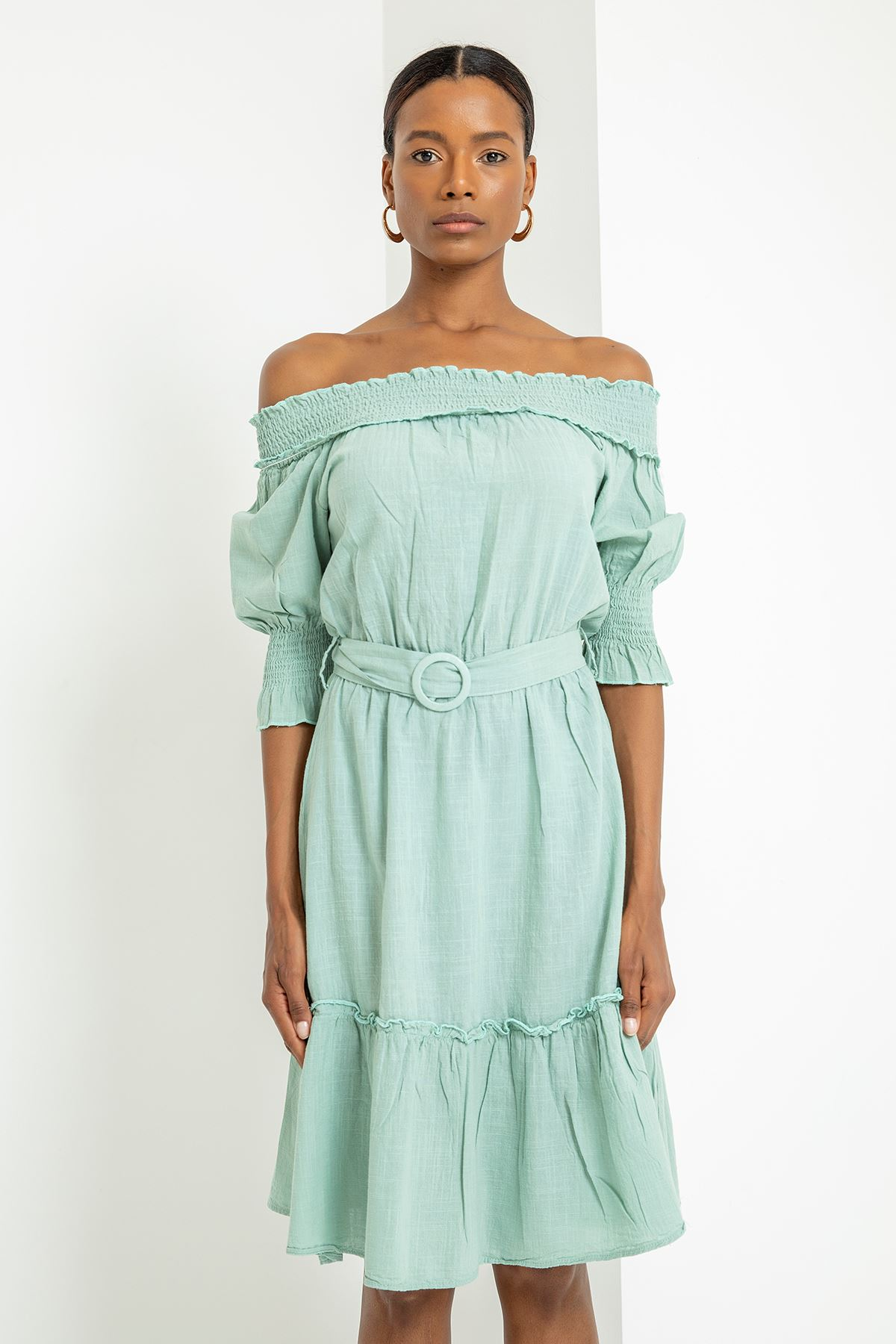 Yakası Gipeli Kemerli Elbise-Mint