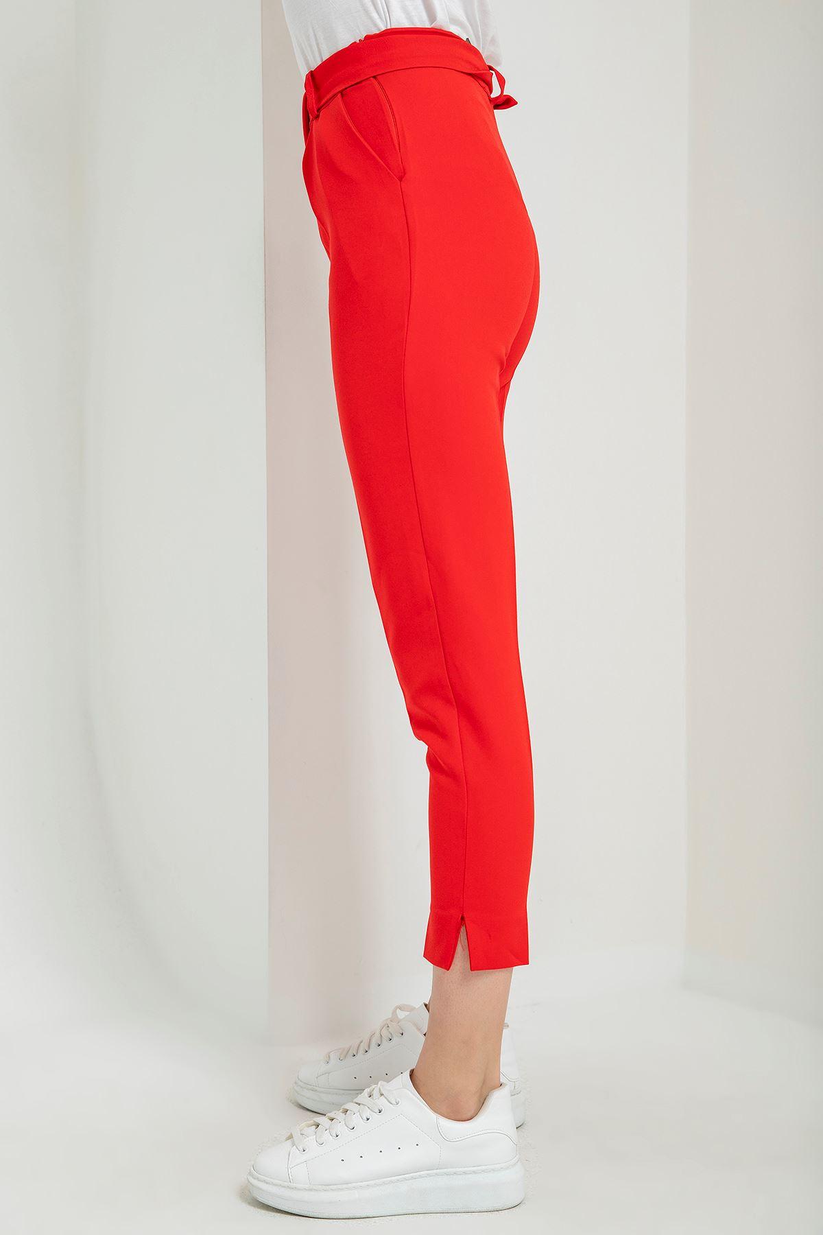 Havuç Kemerli Kumaş Pantolon-Kırmızı