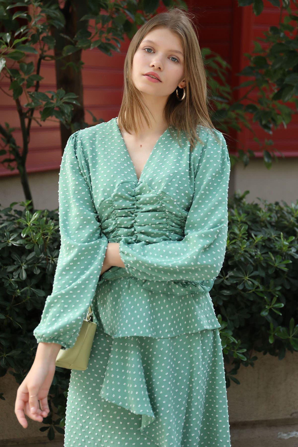 Önü Büzgü Detay Bluz-Mint