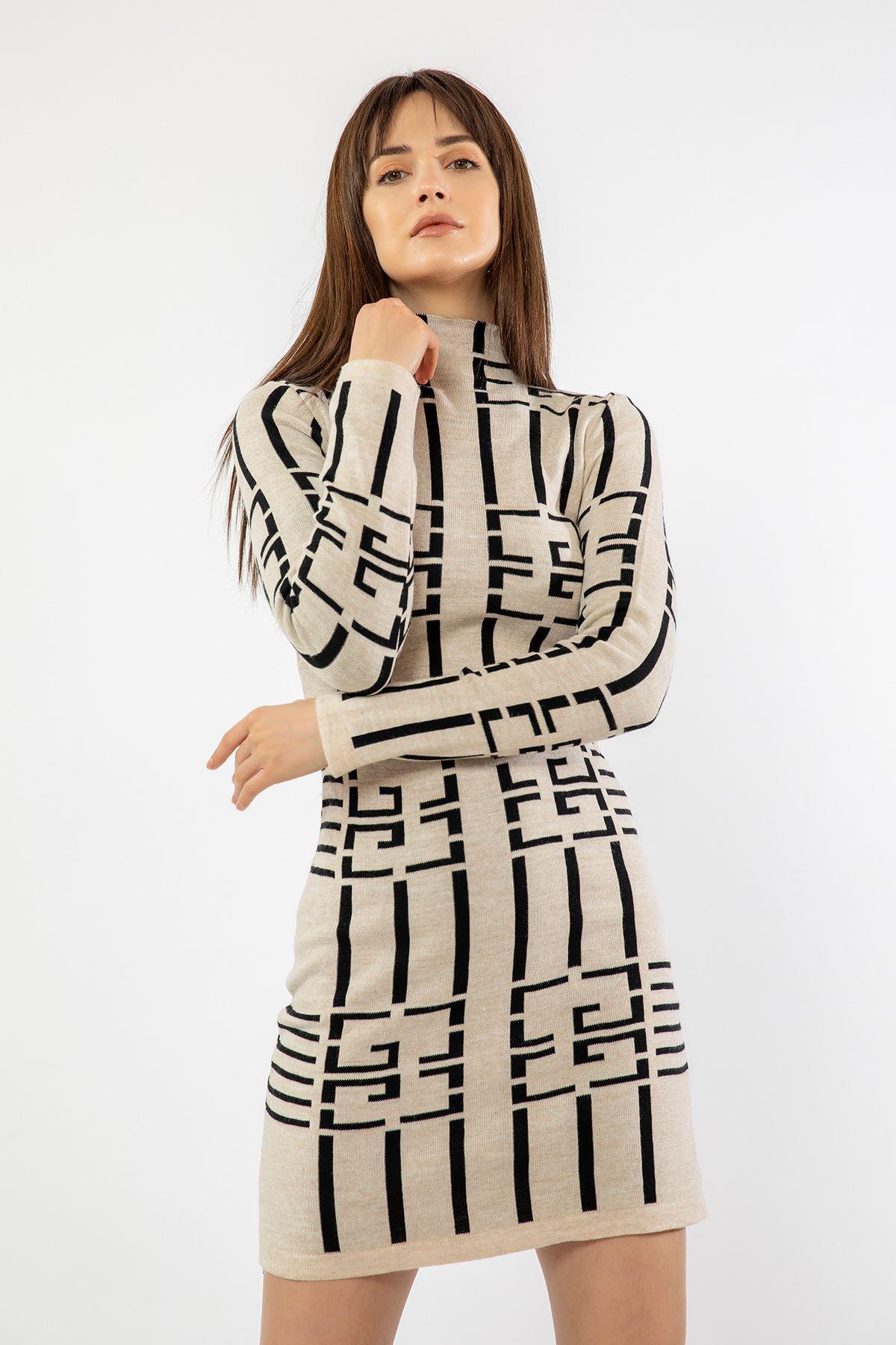 Dik Yaka Uzun Elbise-Bej