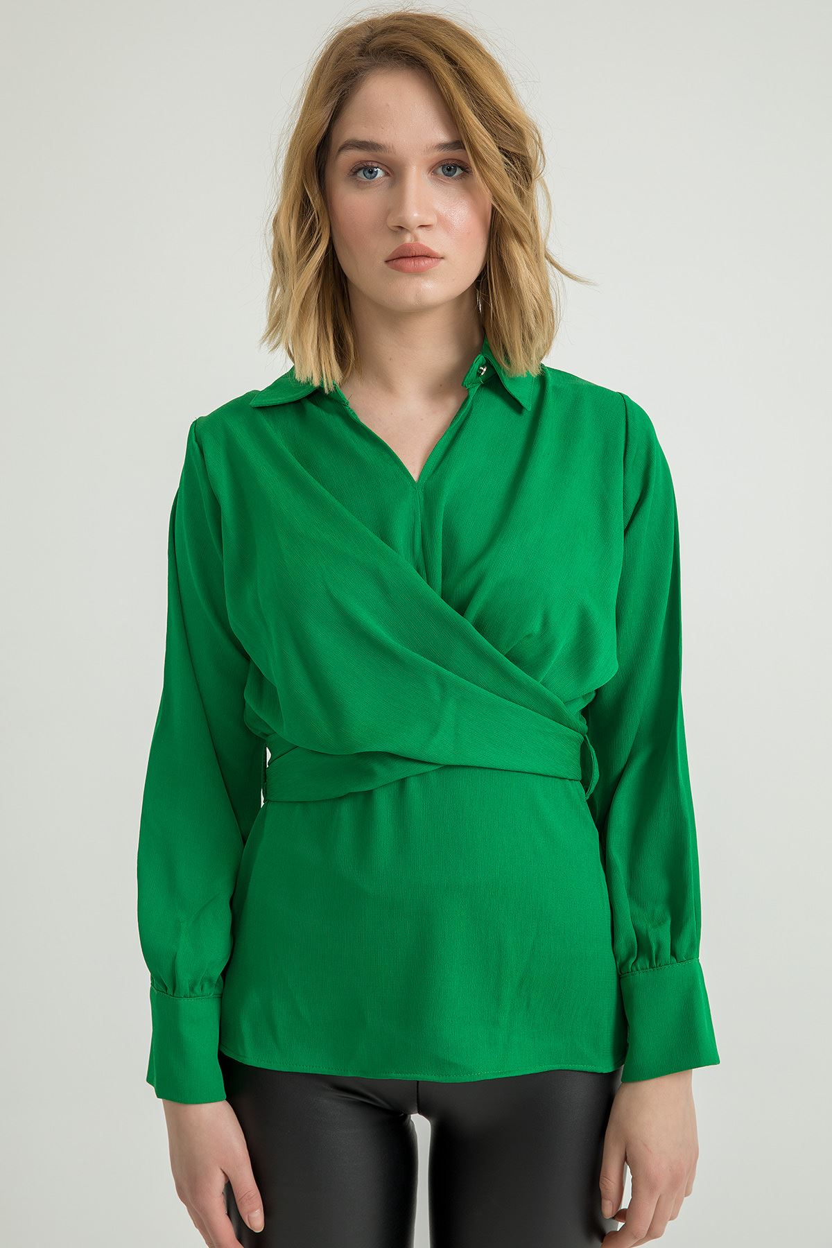 Çarpraz Detay Beli Bağlamalı Bluz-Yeşil