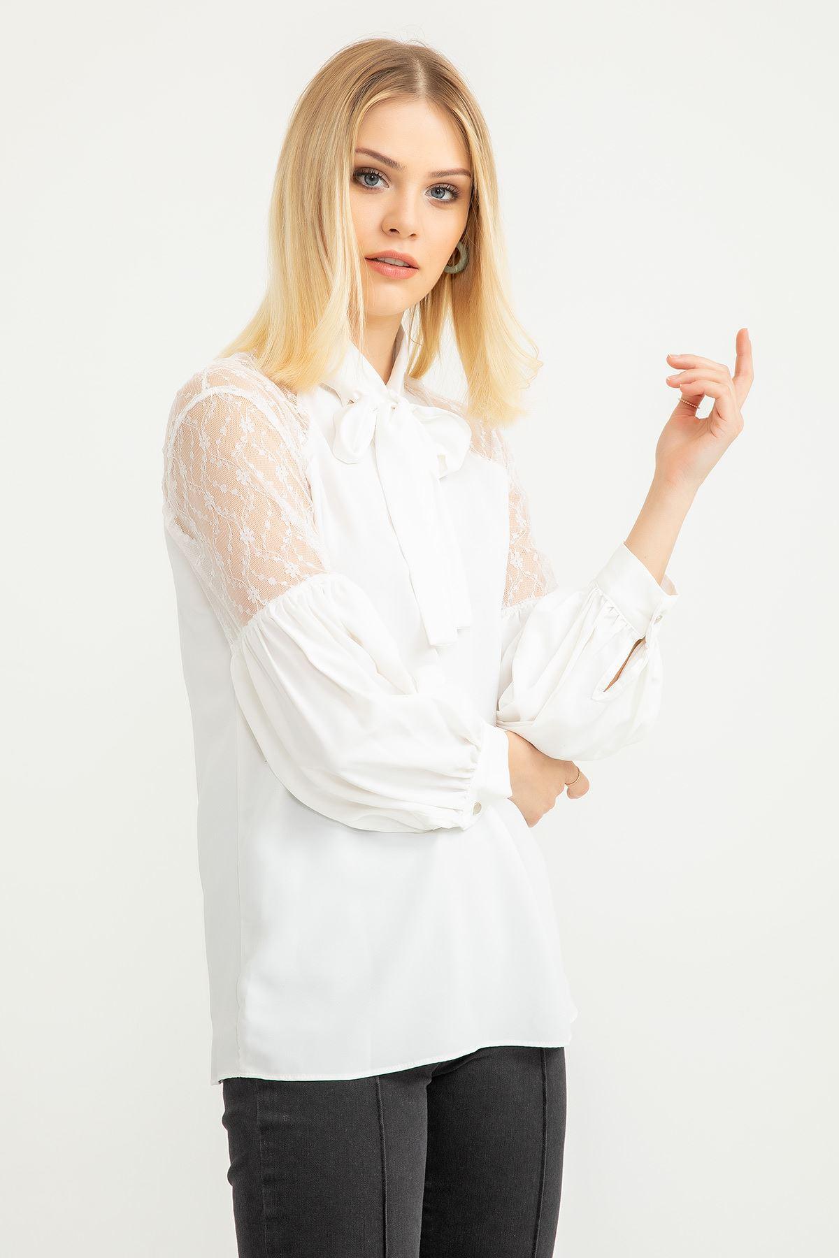 Omuzu Dantel Detay Bluz-Ekru