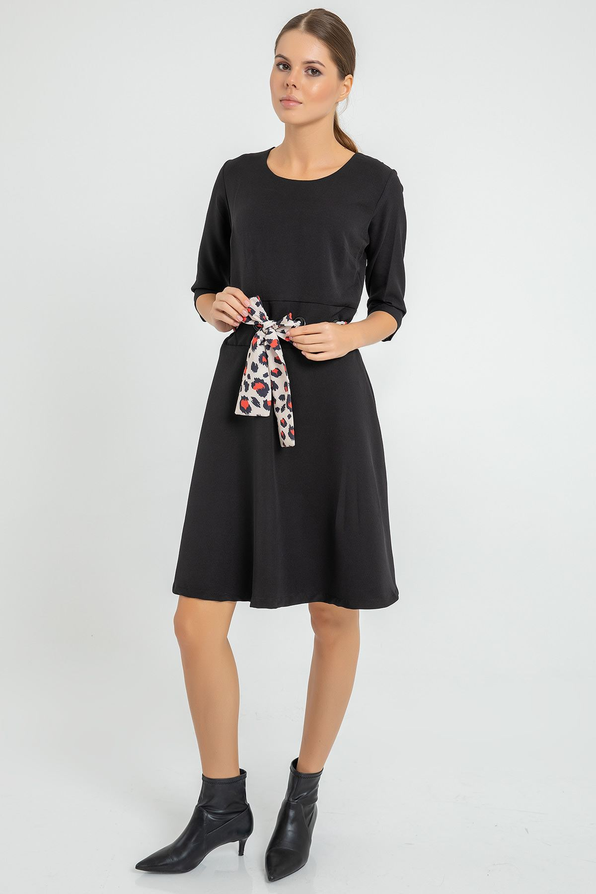 Kuşağı Leopar Detay Elbise-Siyah