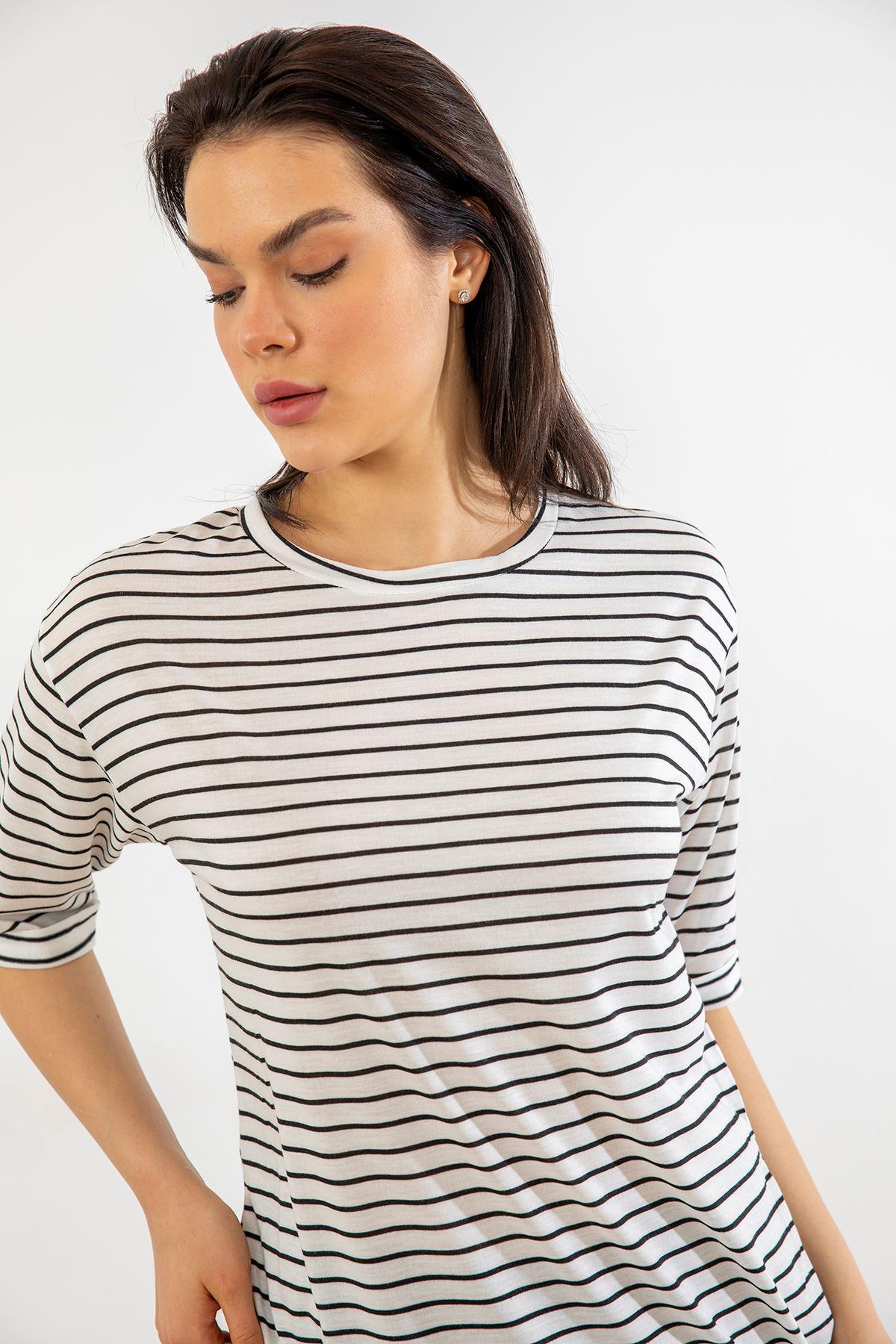 Çizgili Salaş T-shirt-Beyaz