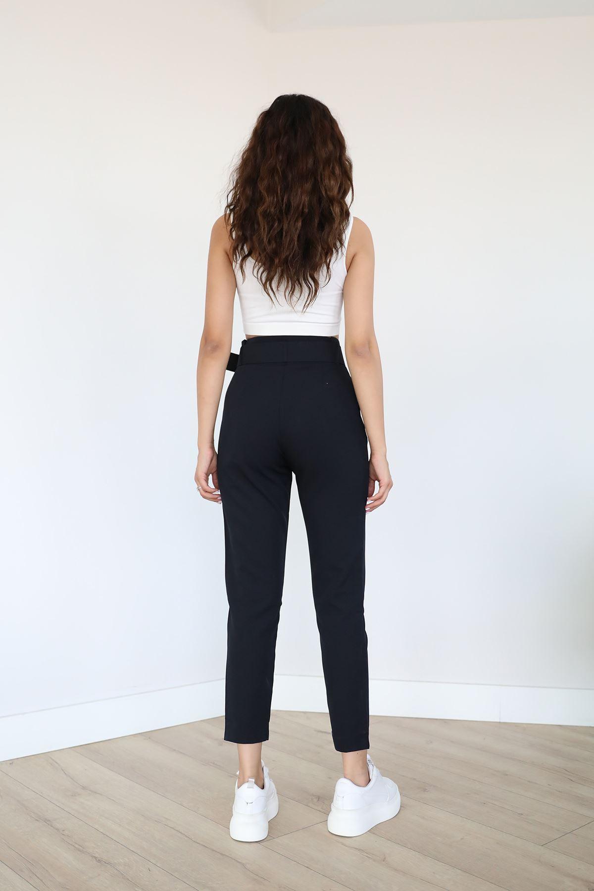 Bel Detay Kumaş Pantolon-Siyah