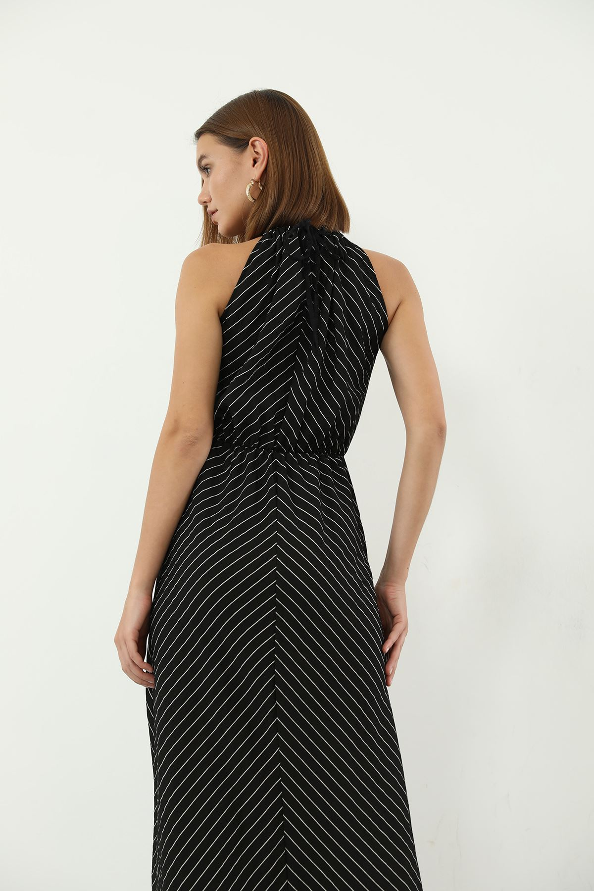 Çizgili Bağcıklı Elbise-Siyah