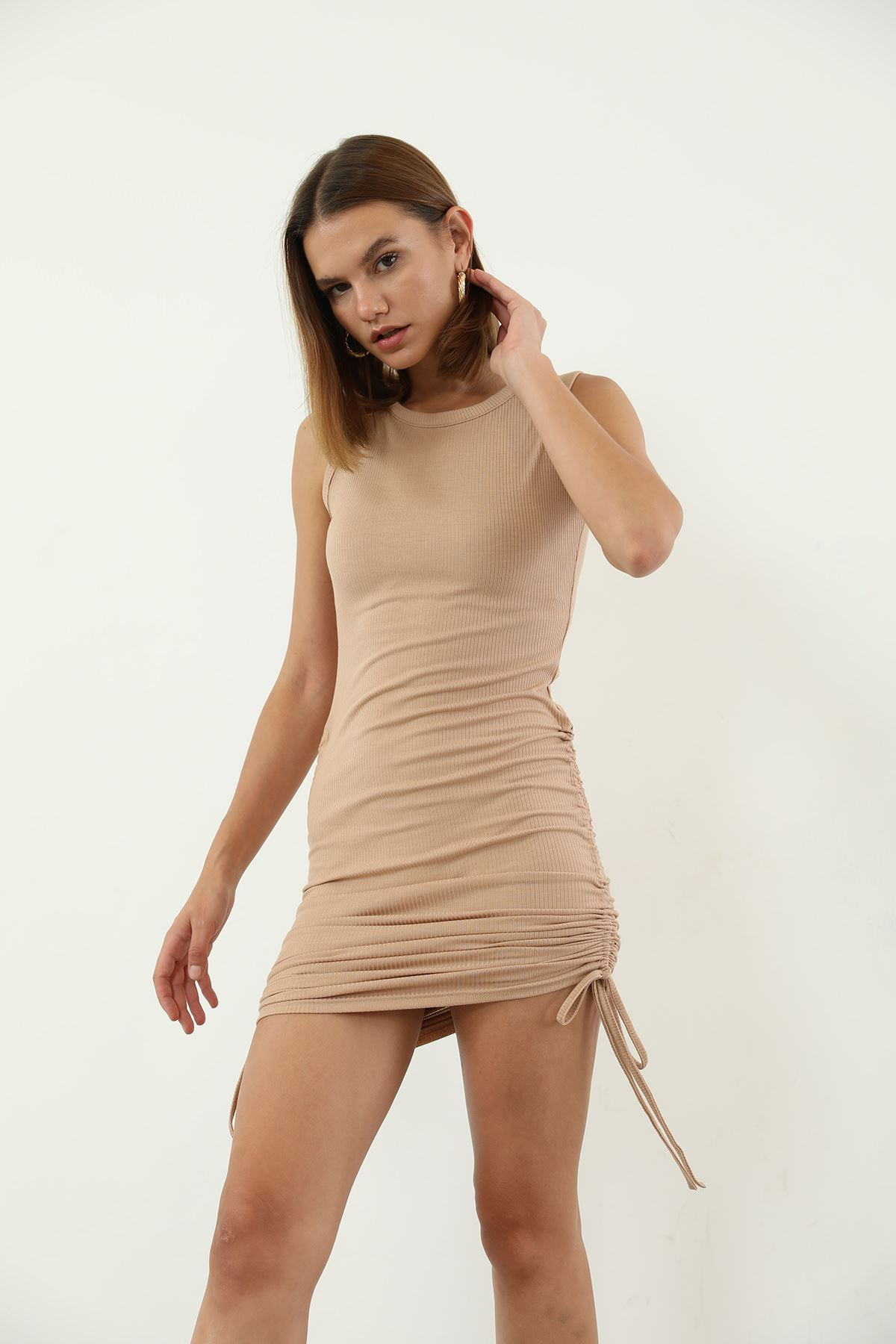 Büzgülü Kaşkorse Elbise-Bej