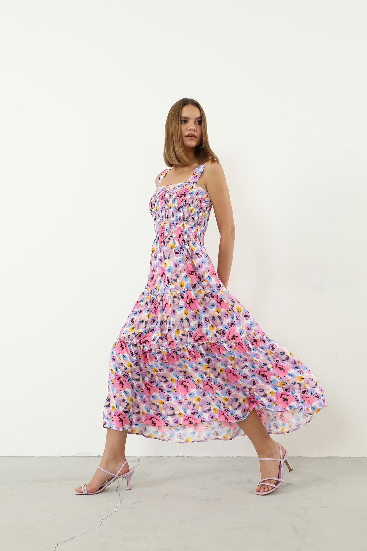 Çiçek Desen Gipeli Elbise-Pudra